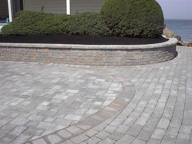 EP Henry Coventry Pavers and Wall - Dakota Blend and Charcoal color
